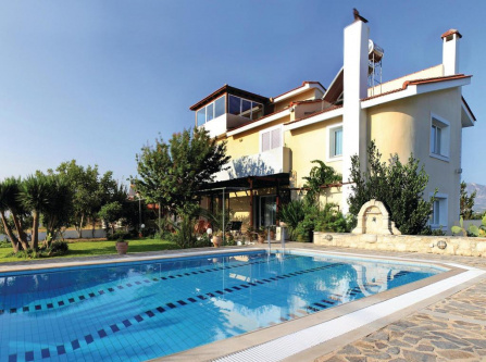 Four-Bedroom Holiday Home in Skalani Heraklio